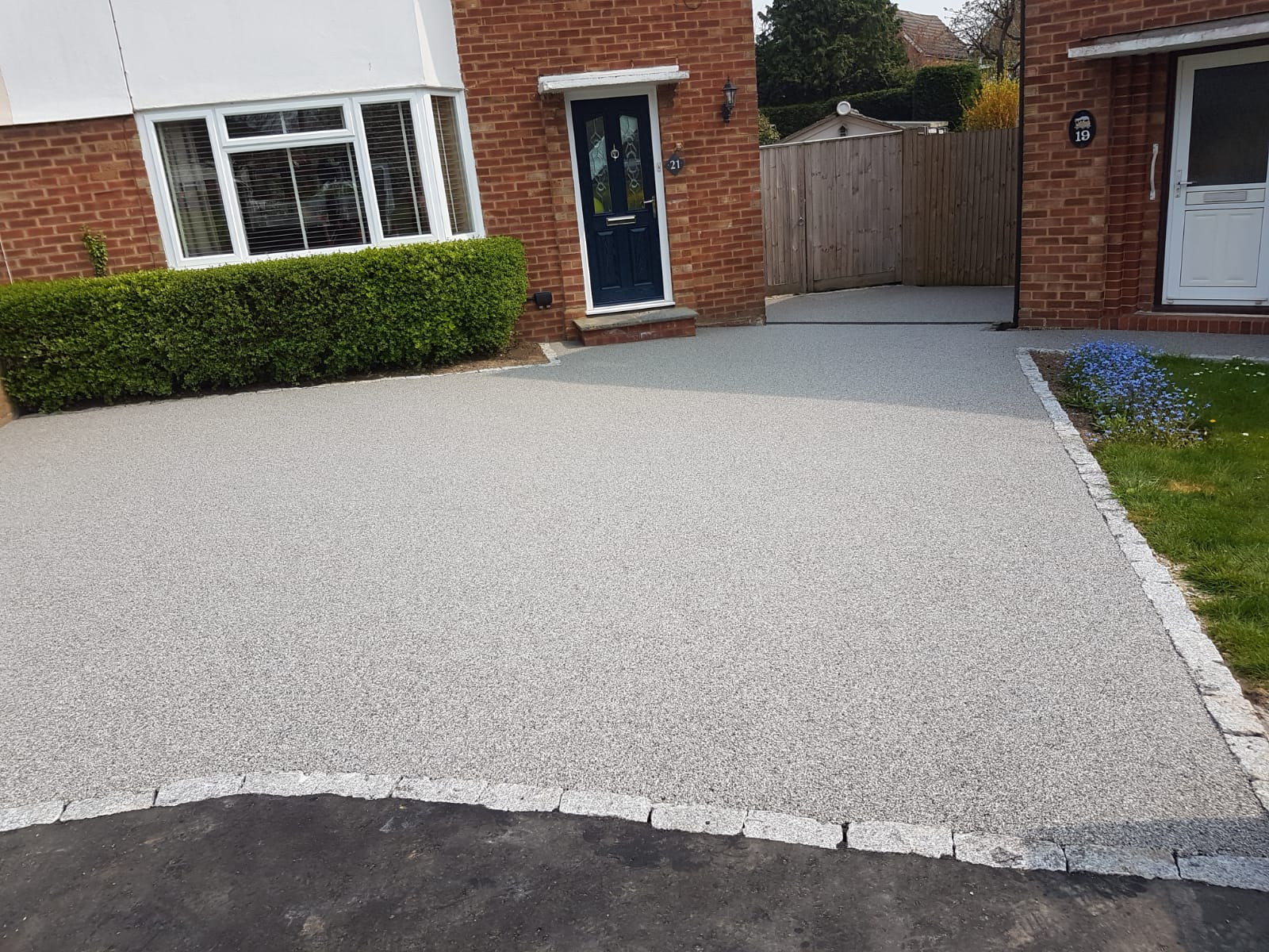 resin bound and resin bond difference