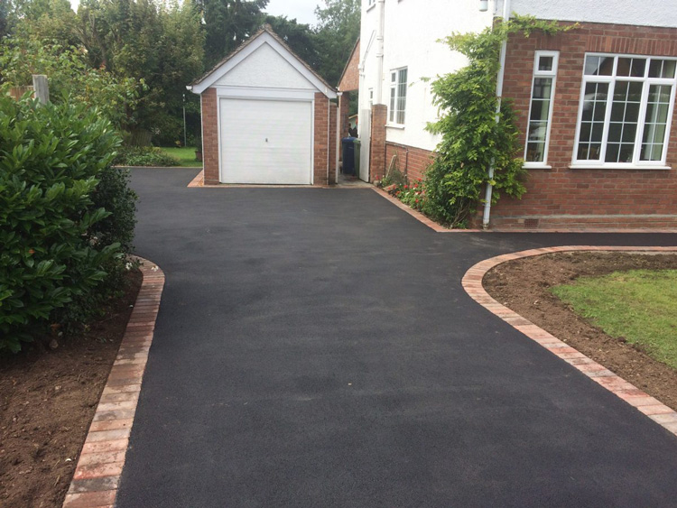 Hldenborough tarmac driveways